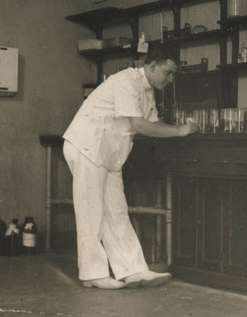 herb tabor in his lab in 1942