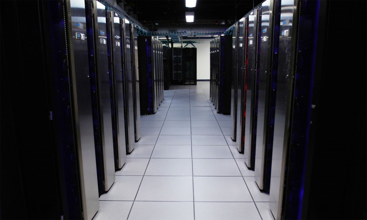 rows of computer servers